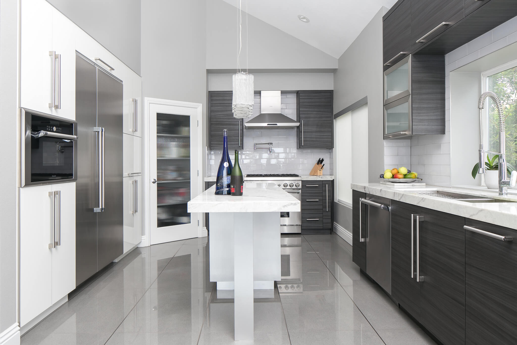 Custom_kitchen_contemporary_tfl_ptflat_textured_fontananight_01